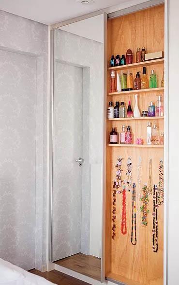armario atras do espelho para guardar bijouterias