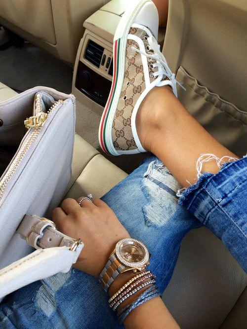 pulseiras e relógios