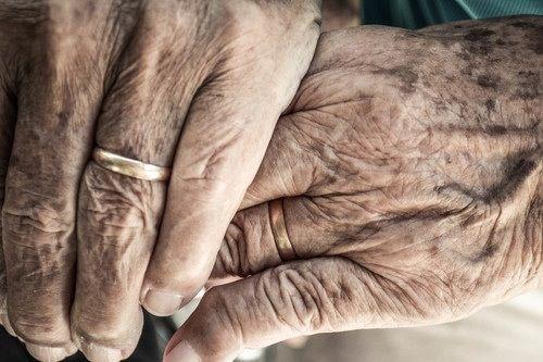aliancas casamento de pessoas velhinhas