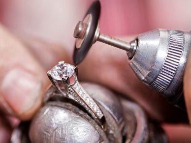 Fabricação de semi joias