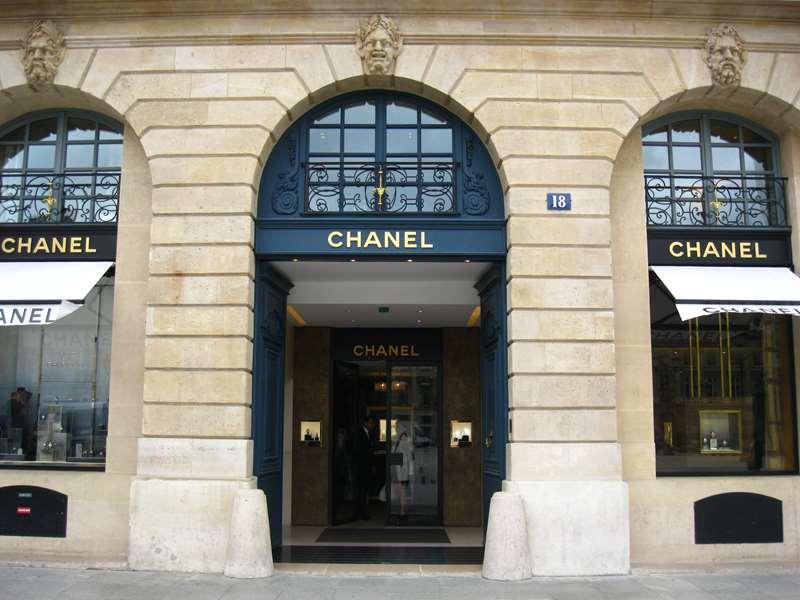 Loja da Chanel na famosa Place Vendôme