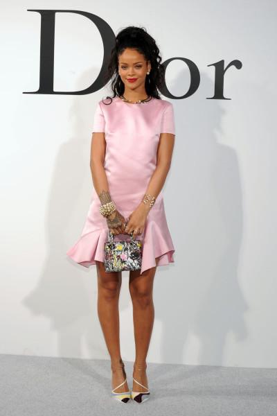 b1a2bde244a0a Looks de Rihanna são protagonistas nos red carpets   Waufen