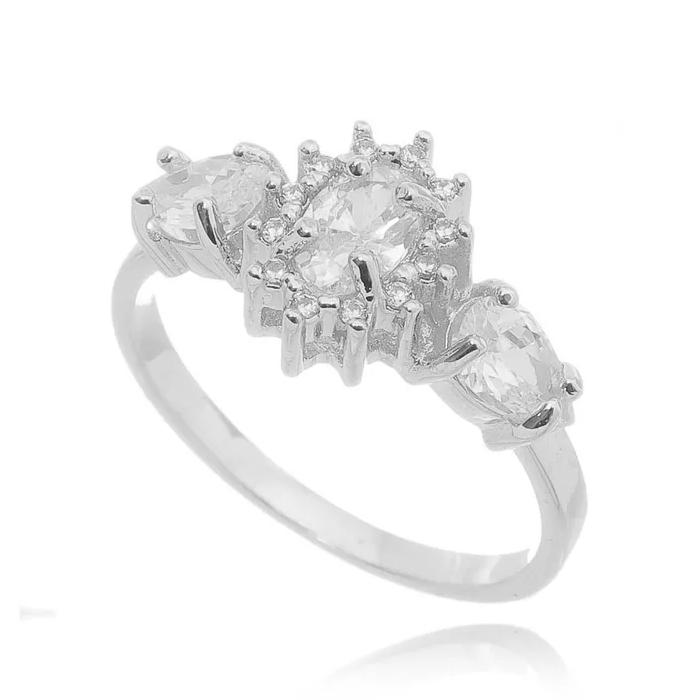 Anéis de noivado três pedras