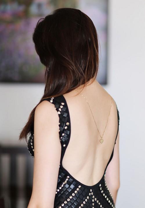 colar nas costas