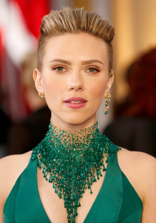 HOLLYWOOD, CA - FEBRUARY 22: Actress Scarlett Johansson arrives at the 87th Annual Academy Awards at Hollywood & Highland Center on February 22, 2015 in Los Angeles, California. (Photo by Jeff Vespa/WireImage)