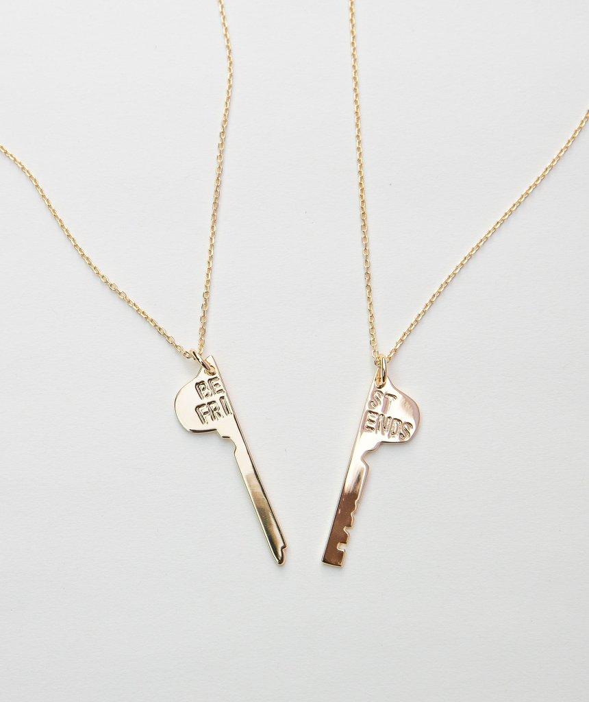 colar chave best friend dourado