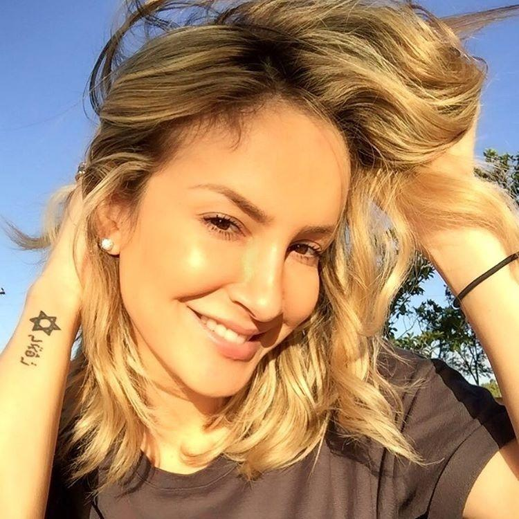Claudia Leitte tatuagem