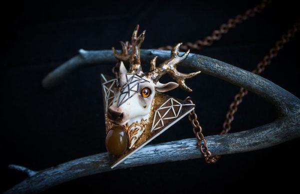 joias com criaturas encantadas