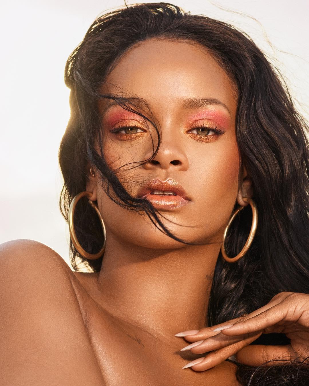 Brincos para praia Rihanna