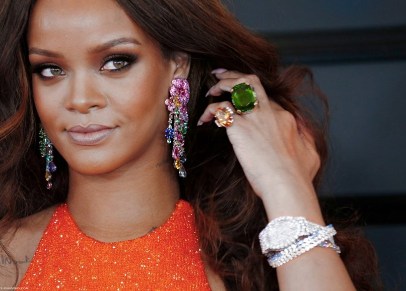 Cores Rihanna Joias