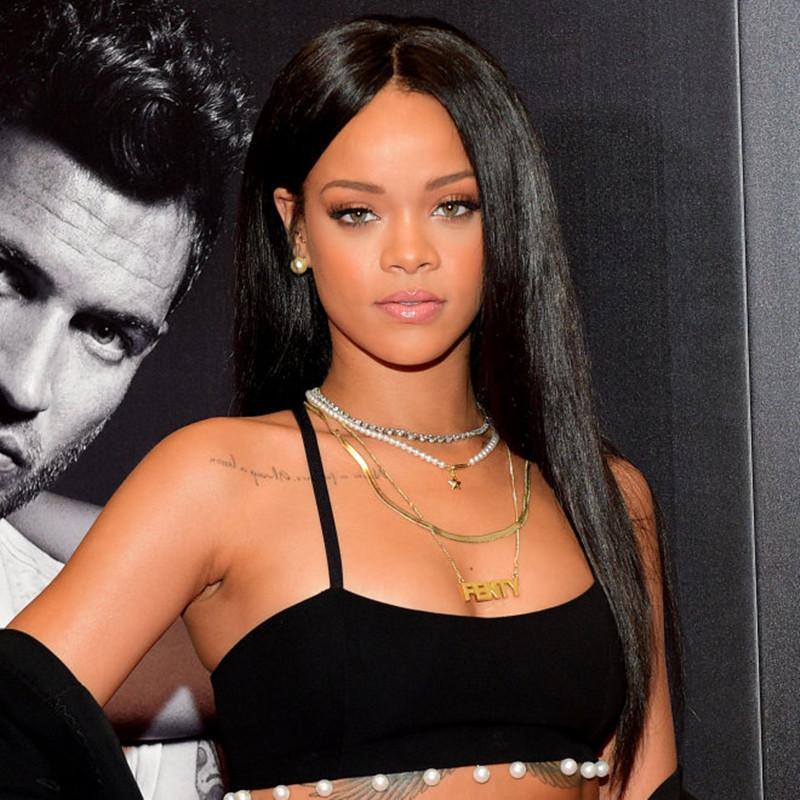 Rihanna Colar