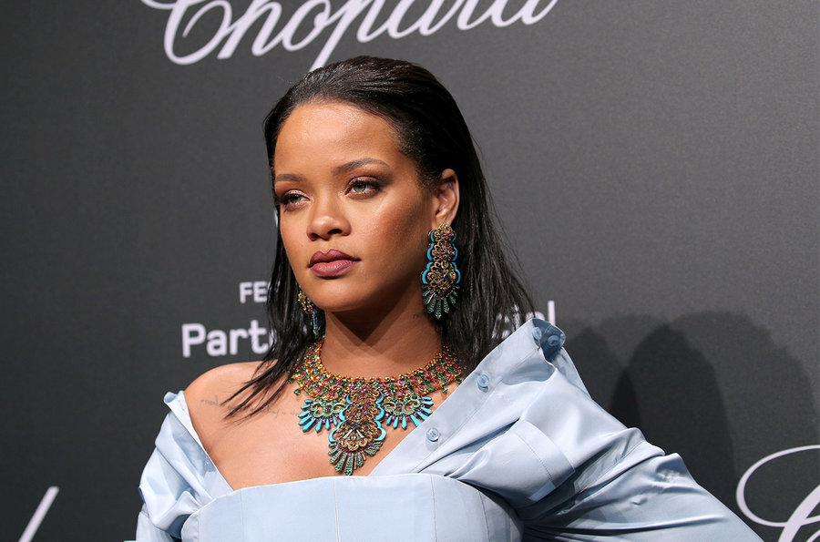 Rihanna joias