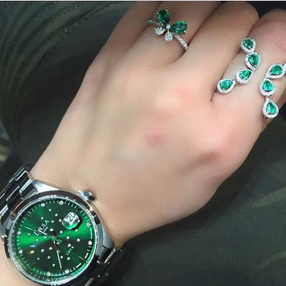 aneis pedras esmeraldas verdes semijoias