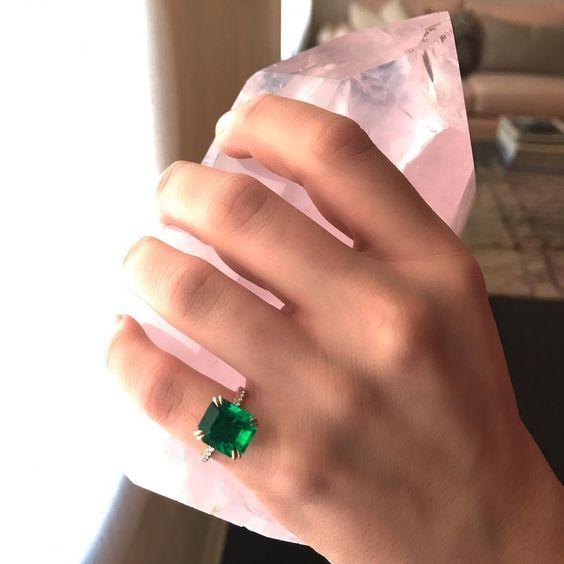 anel solitario pedra esmeralda verde