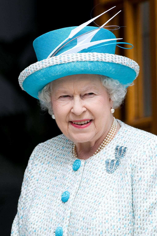 Broches da rainha Elizabeth água marinha