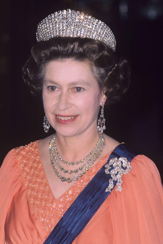 Broches da rainha elizabeth loversknot