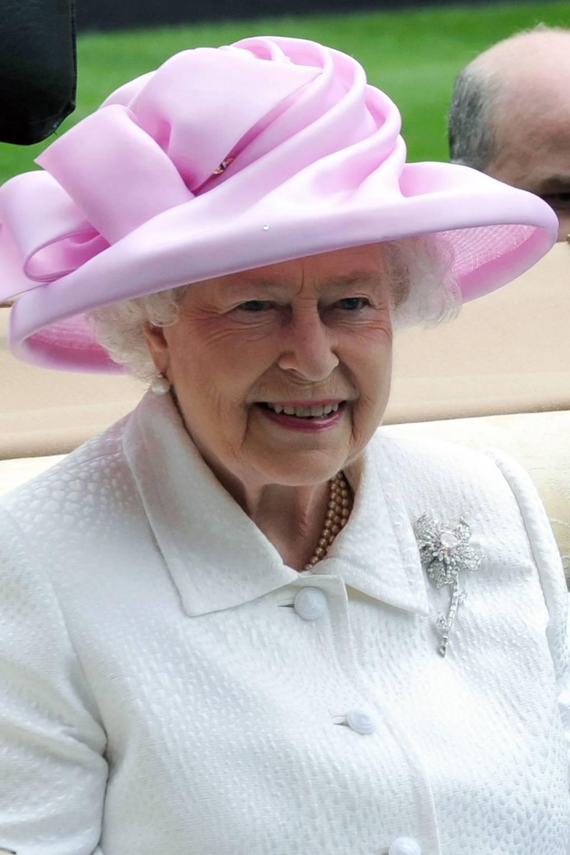 Broches da rainha Elizabeth Williamson Jonquil