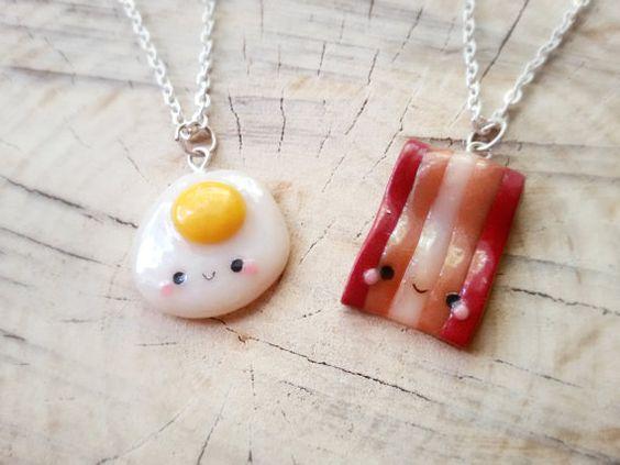 Colar amizade bacon e ovo