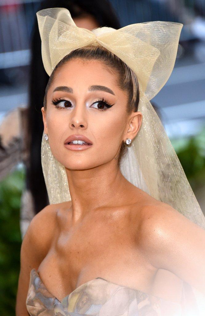 Ariana Grande Brinco Pequeno