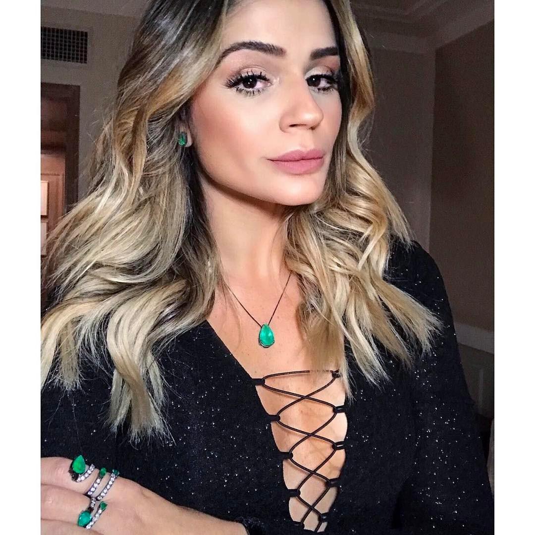 Thassia Naves Andrea Conti Esmeralda Colombiana