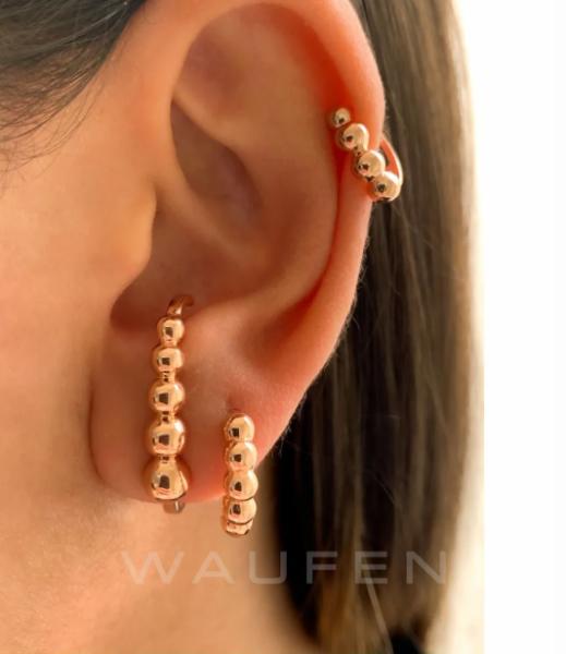 ear hook rose