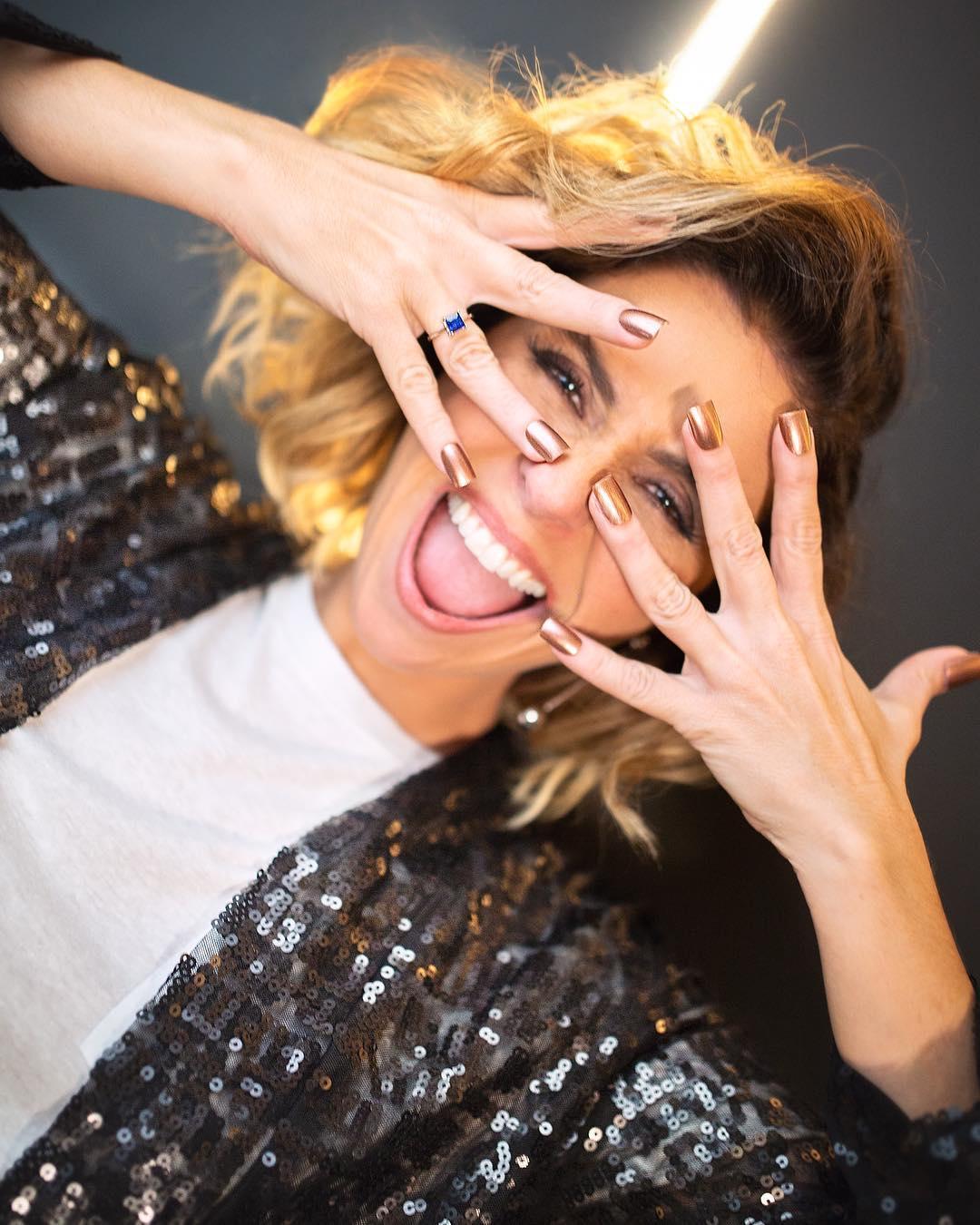 082865fc8 Giovanna Antonelli é uma das atrizes mais prestigiadas da televisão  brasileira. Ela já interpretou personagens icônicas e sempre lança  tendências…