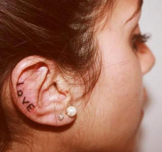 Tatuagem Orelha Love