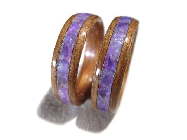 f63aeed3b A aliança de namoro ou noivado de madeira e ametista também é bem  alternativa