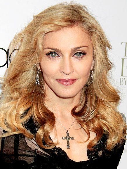 Colar de Cruz Madonna