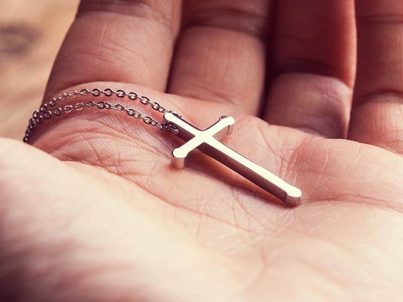 Colar de Cruz Religioso