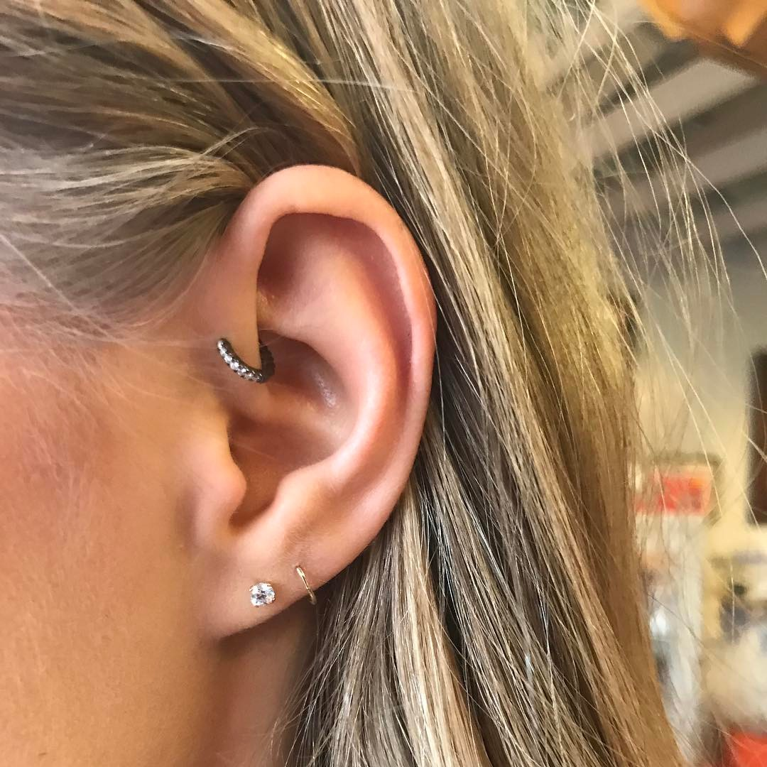 Piercings na orelha argola