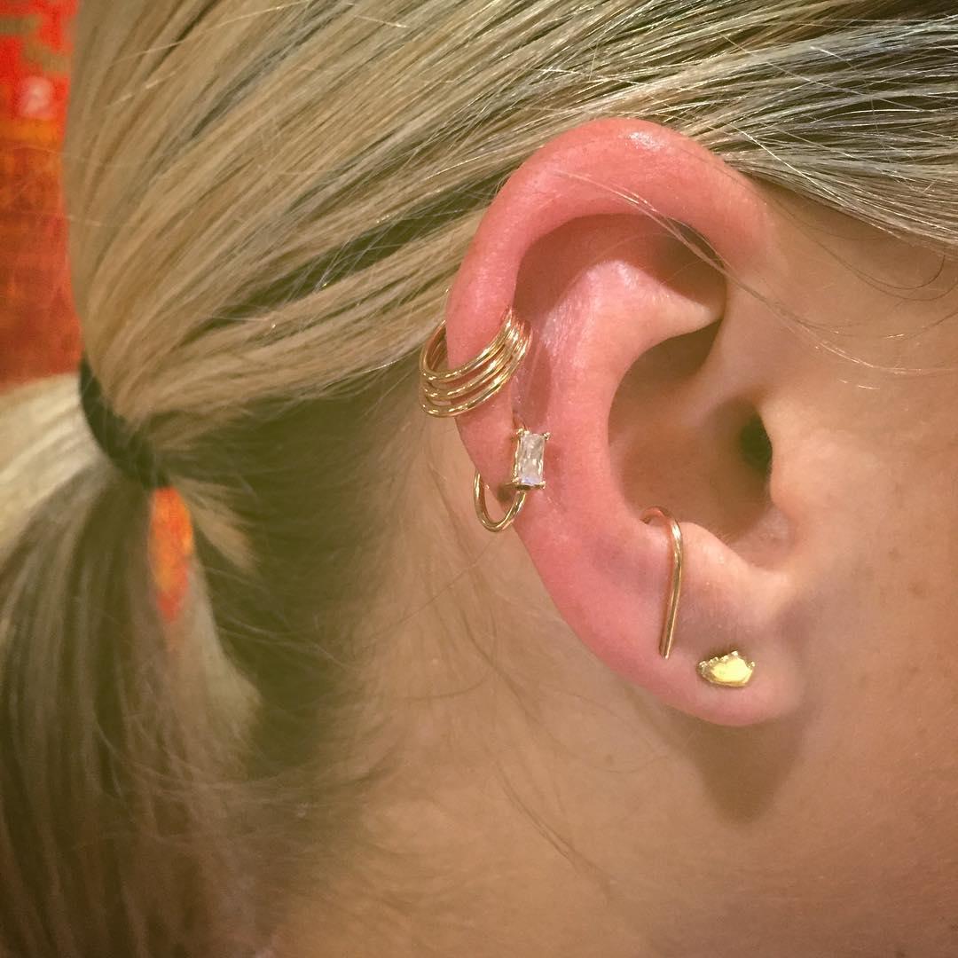 Piercings na orelha estilosos
