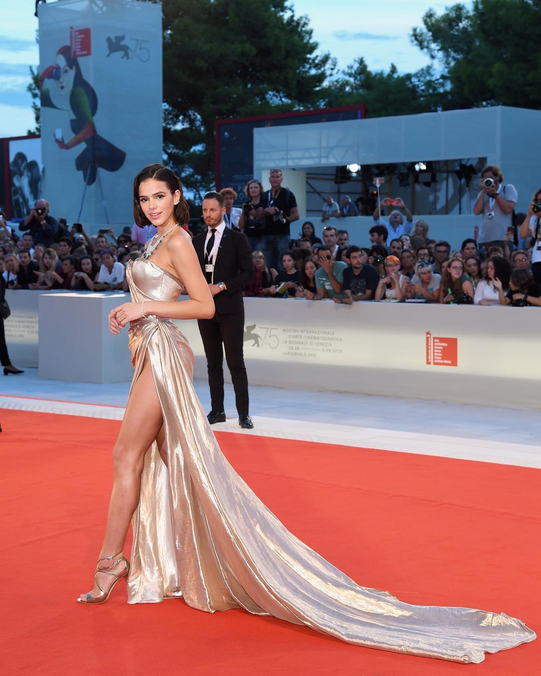 Looks de Bruna Marquezine em Veneza Vestido