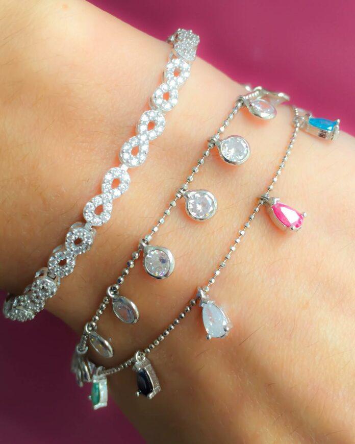 Combinações de pulseiras delicadas