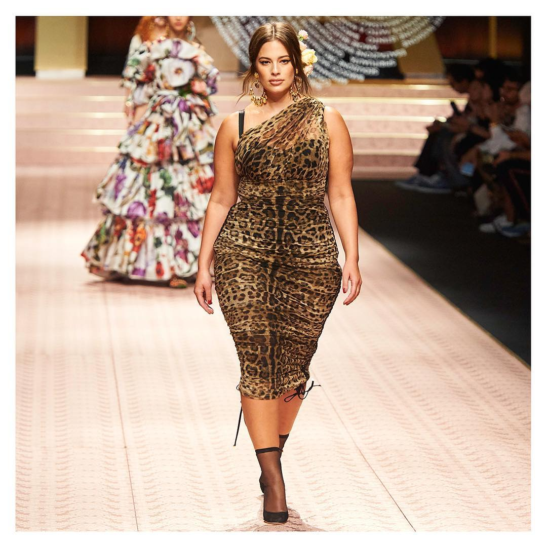 Desfile da Dolce & Gabbana Ashley Graham