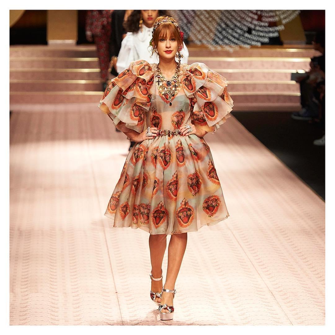 Desfile da Dolce Gabbana Marina Ruy Barbosa