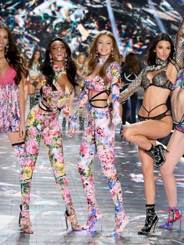 Angels da Victoria Secret 2018 desfilam com joias lindas!