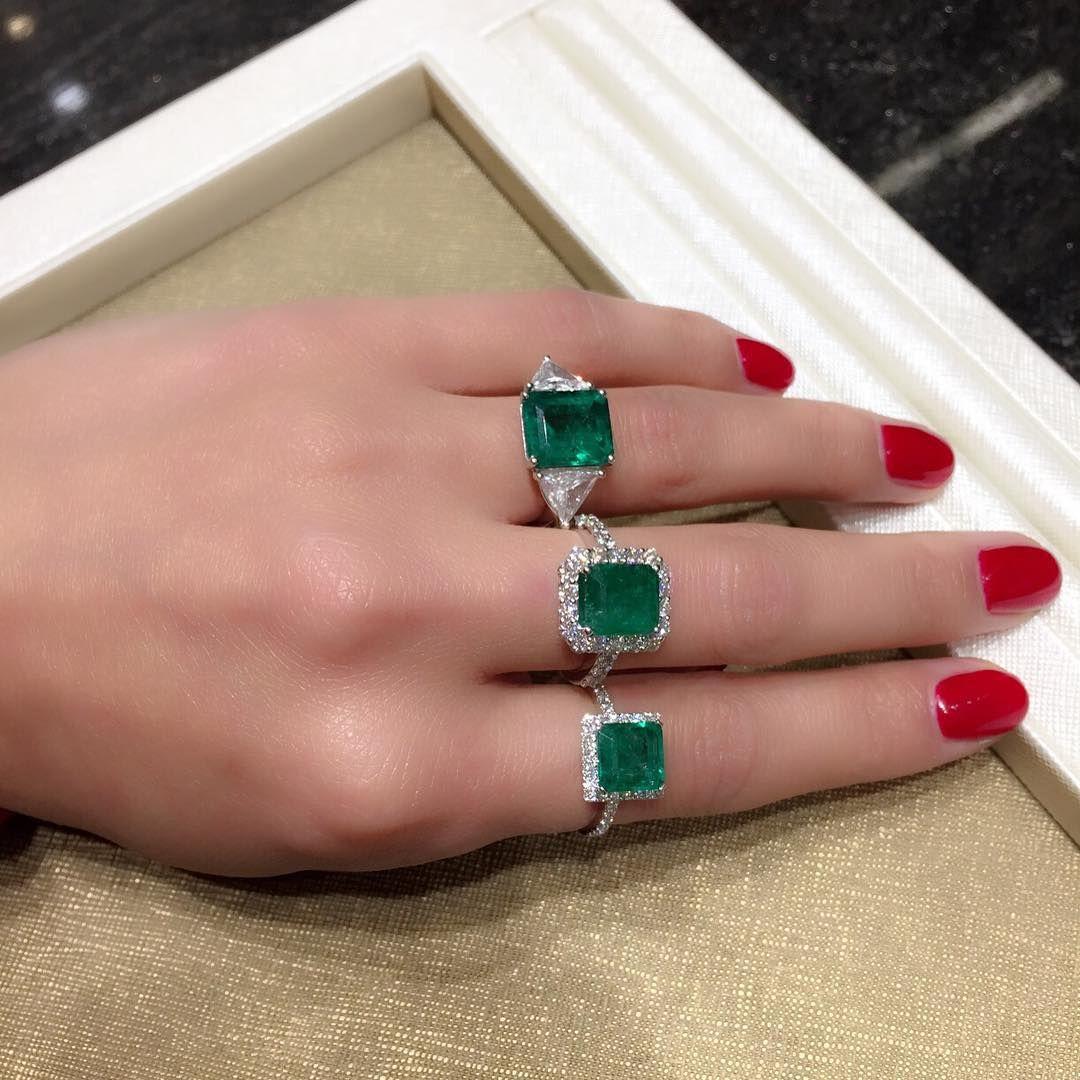 Combinar anel com esmalte vermelho