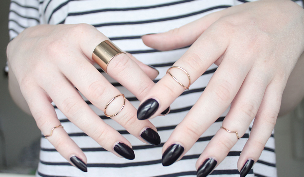 Como combinar anel com esmalte