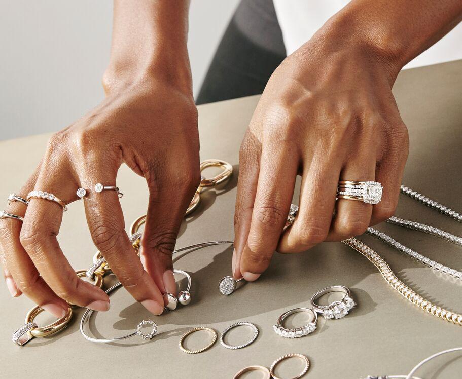 Como combinar anéis destaque