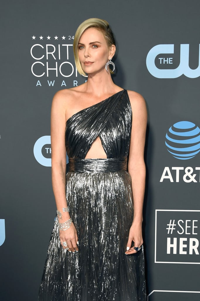 Critics Choice Awards 2019 Charlize Theron BrincosCritics Choice Awards 2019 Charlize Theron Brincos