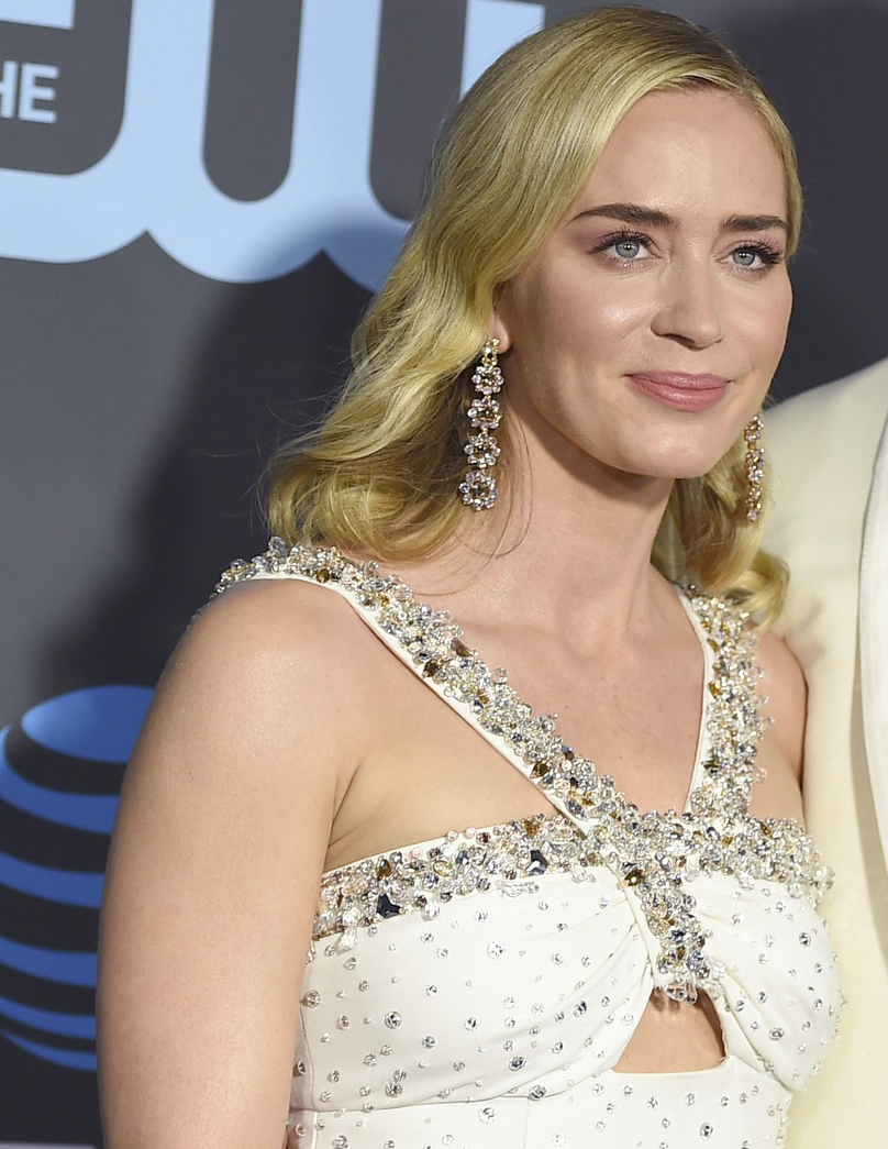 Critics Choice Awards 2019 Emily Blunt Brincos