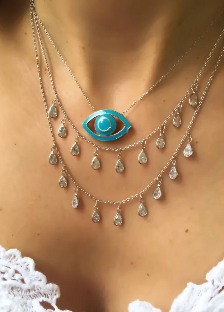 colar de prata basico com outros colares