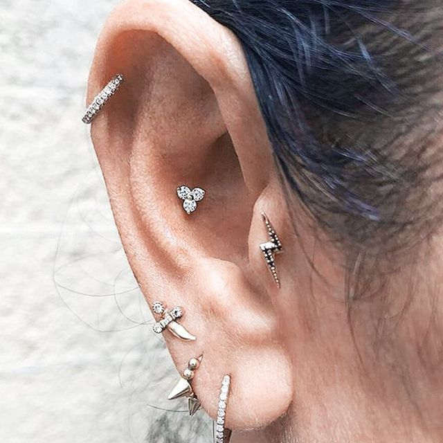 conch piercing flor