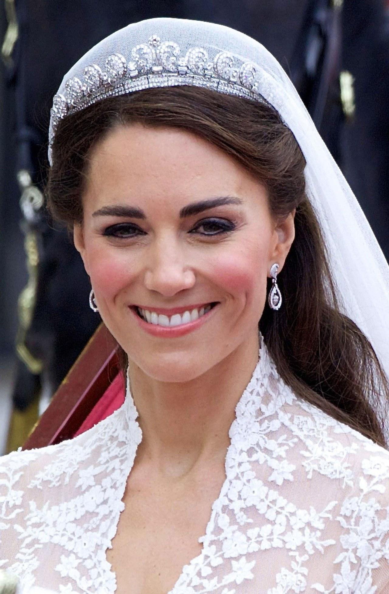 joias de kate middleton tiara