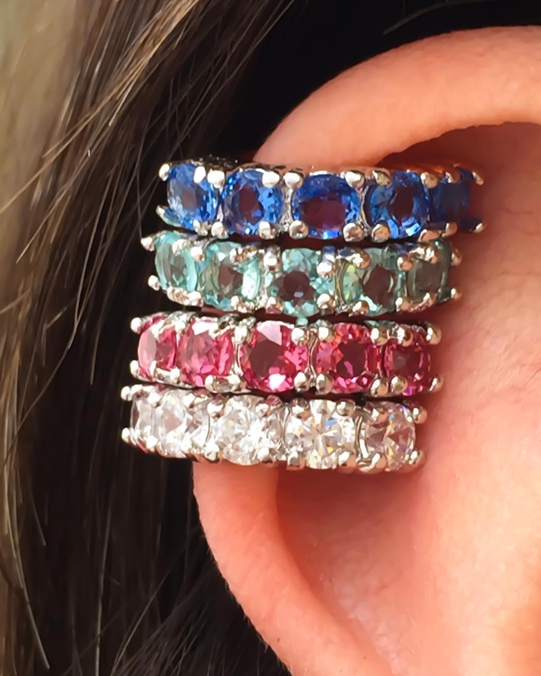 Piercing de orelha para o verao vários