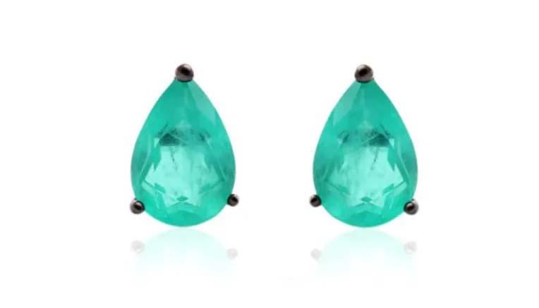semijoias ou joias brincos pequenos