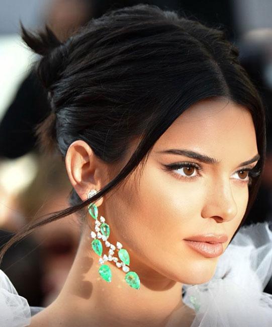 Brincos da Kendall Jenner cannes esmeralda