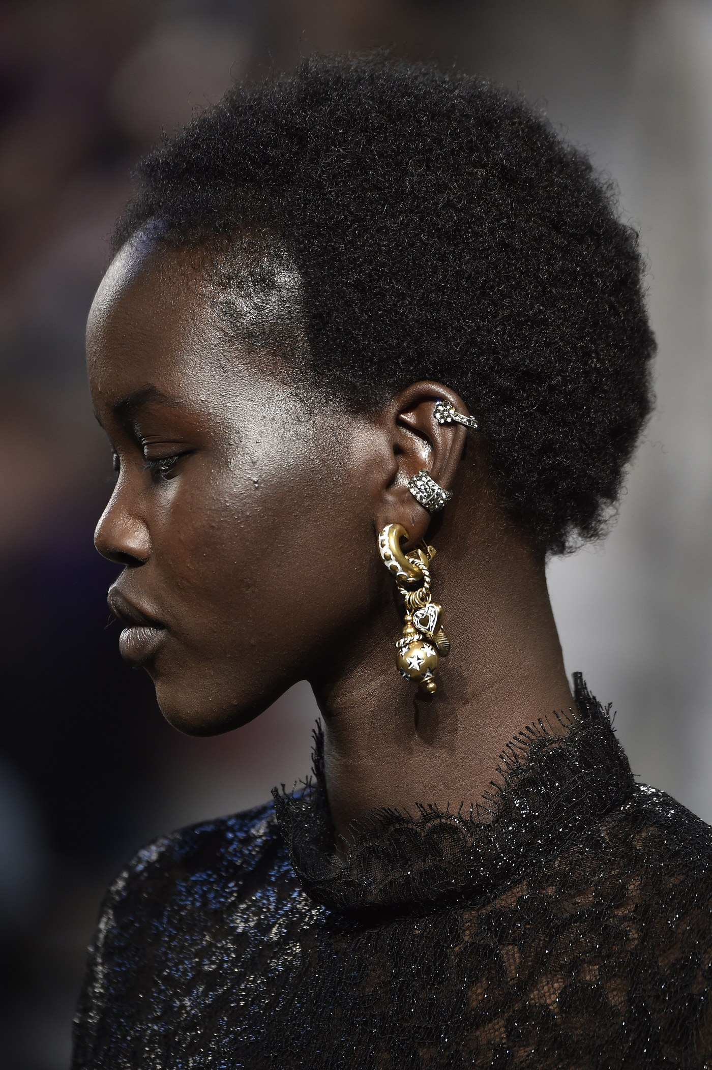Brincos da Milan Fashion Week Piercing