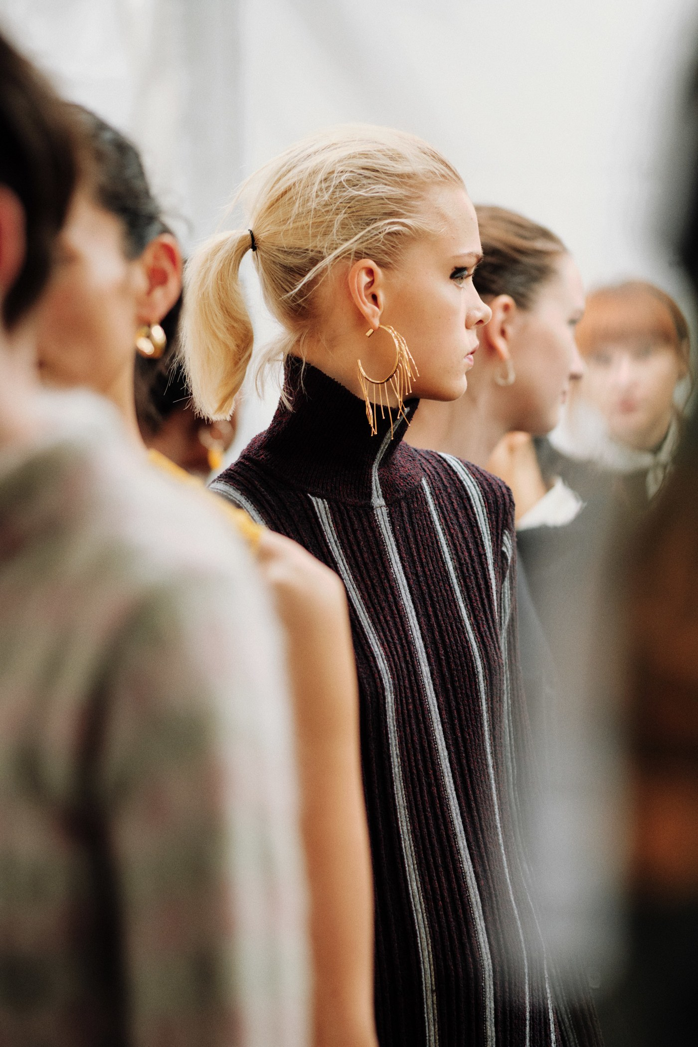 Brincos da Milan Fashion Week argolas